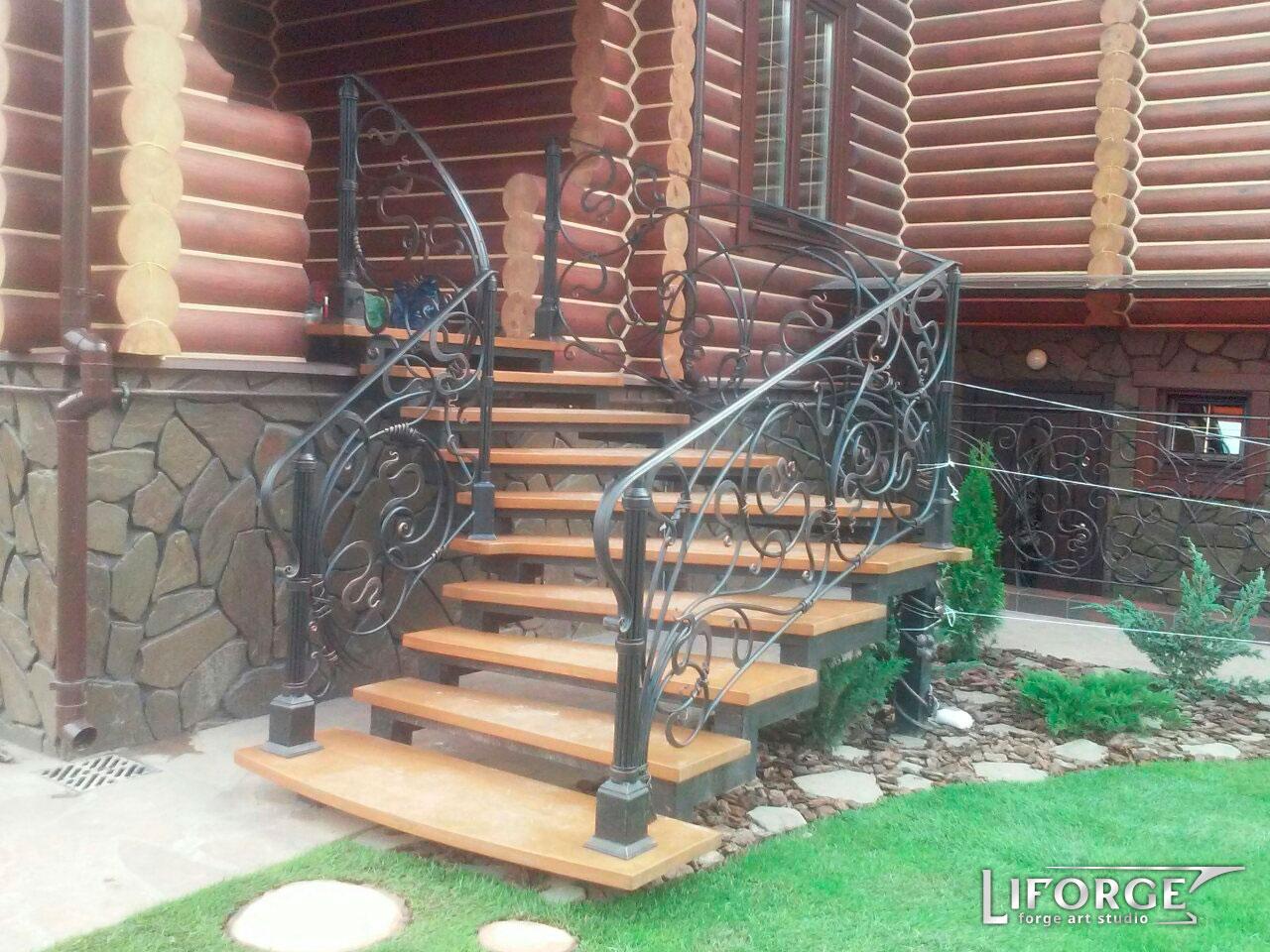 Металлическая лестница №002 цена от 2000 руб