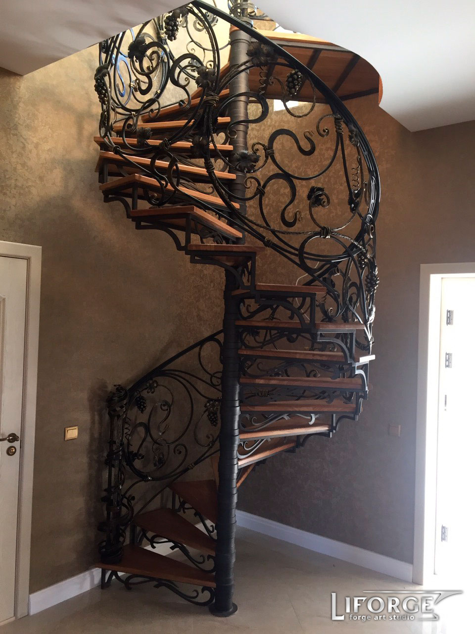 Металлическая лестница №001 цена от 4000 руб