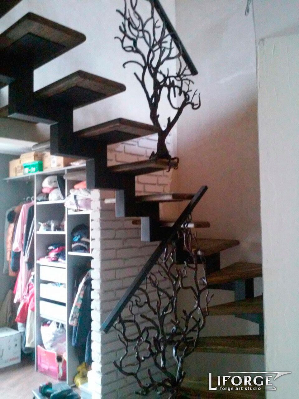 Металлическая лестница №003 цена от 3200 руб