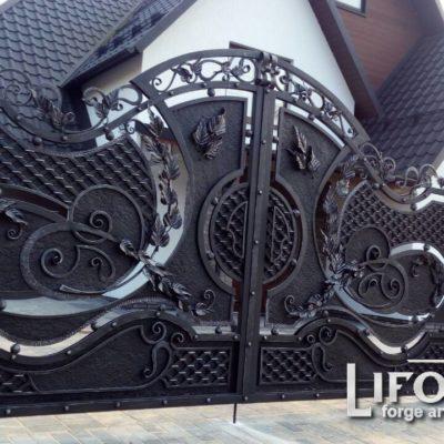 Распашные кованые ворота №002 1050 руб. кв. м.