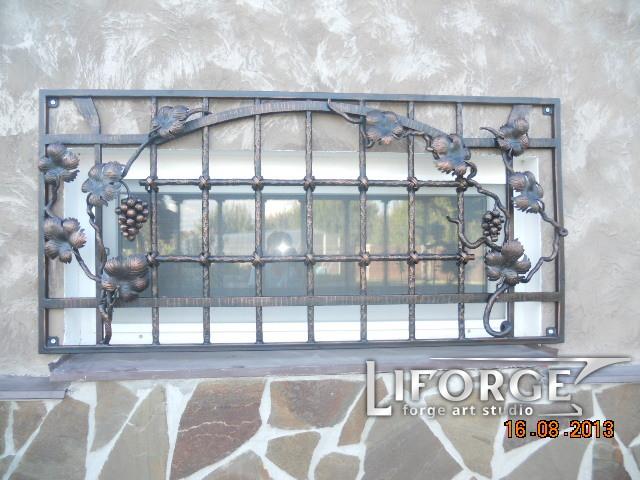 Кованая решетка №002 420 руб. м. кв.