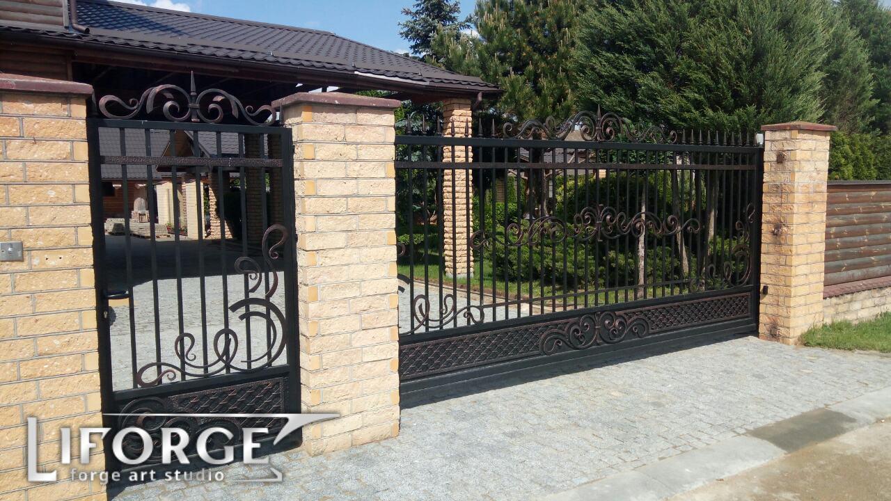 Откатные ворота №006 от 400 руб. м. кв.